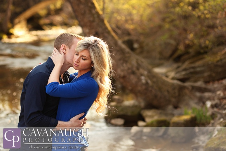 spring_engagement_river_park_golden_hour_ohio_cleveland